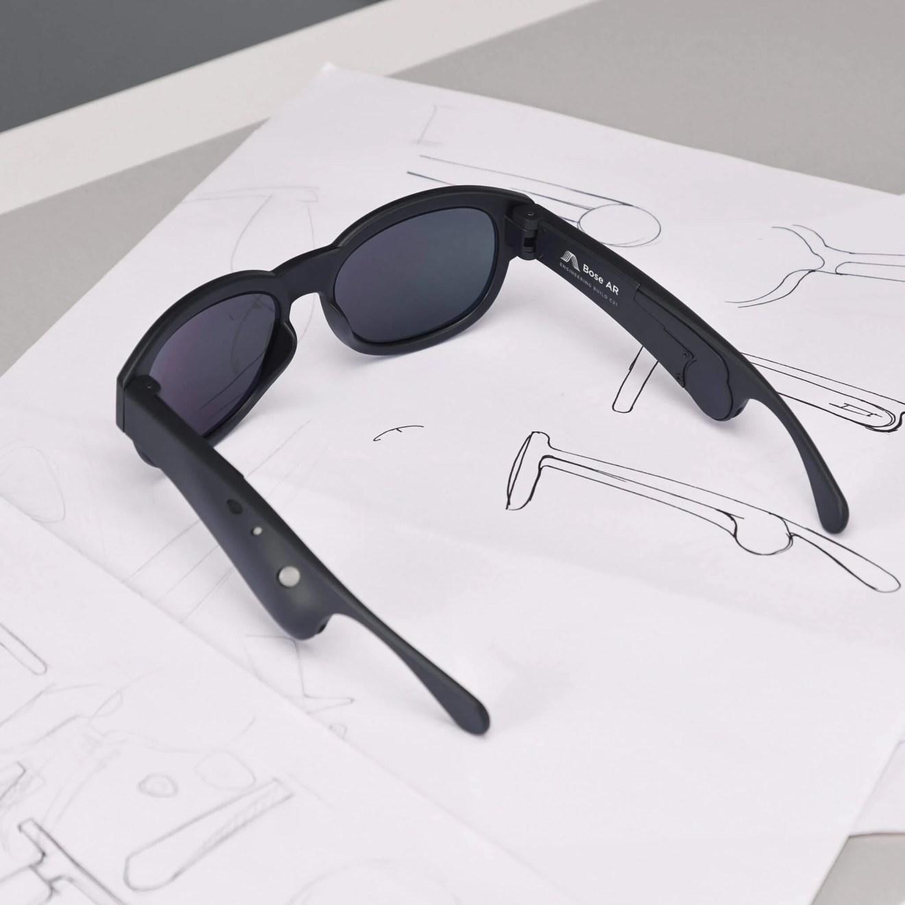 Bose AR Prototype Glasses 2 - Óculos inteligentes permitem controlar a música com movimentos da cabeça