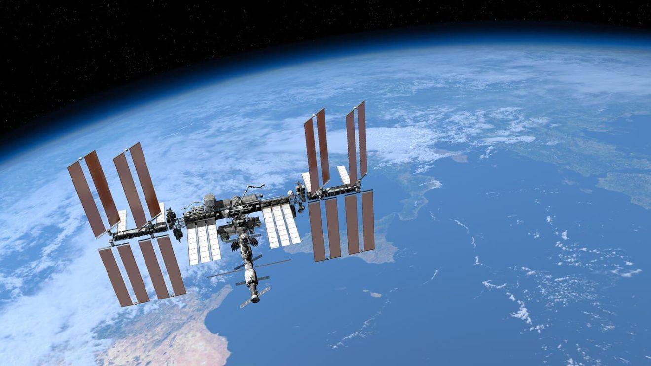 iss international space station 3D model 0 - Sonha em ser astronauta? Saiba 22 curiosidades da vida no espaço