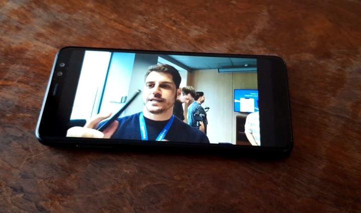 Review Samsung Galaxy A8 - O primeiro intermediário com tela infinita 8