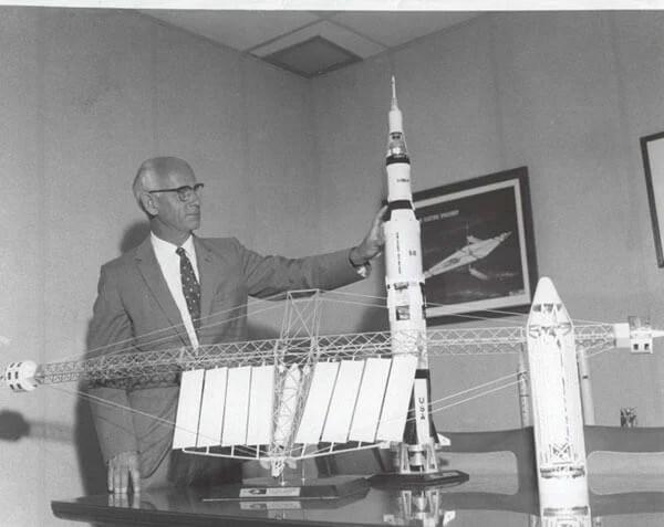 Dr Ernst Stuhlinger explicou nos anos 1970 porque a explorar o espaço é importante