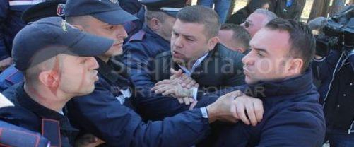 "Galeri Portreti: - Polici qe ""Mbron"" qytetarin. -"