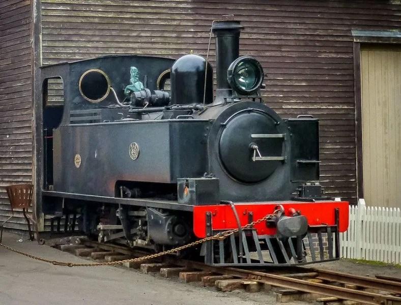 Hunslet 2-6-2T locomotive No. 85