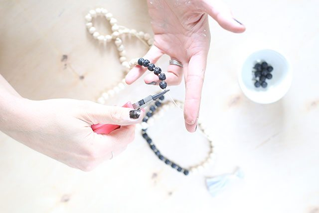 How-to-Tie-a-Mala-Necklace---Tighten-the-Knot