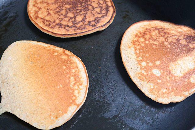 Gluten Free Banana Pancake Recipe - Step 5