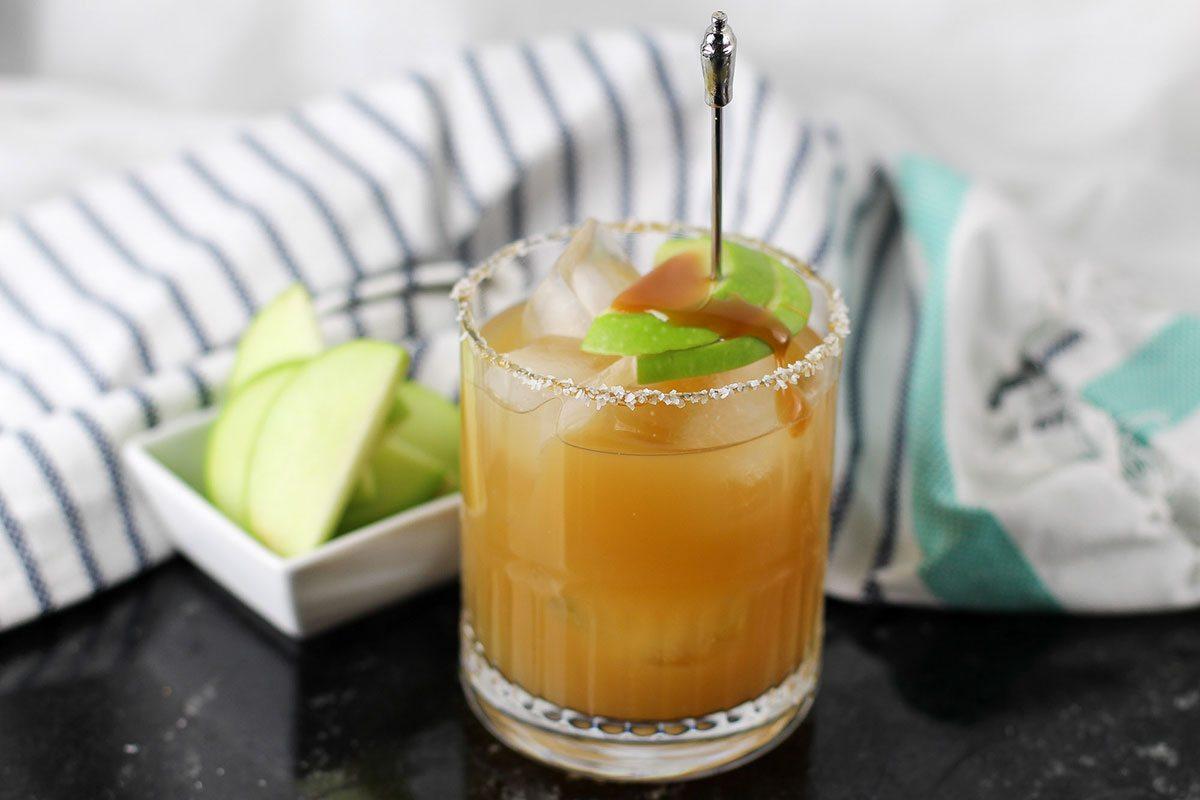 Salted Caramel Apple Cocktail Recipe