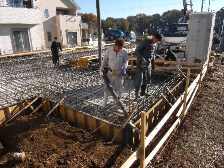住宅基礎のコンクリート打設状況