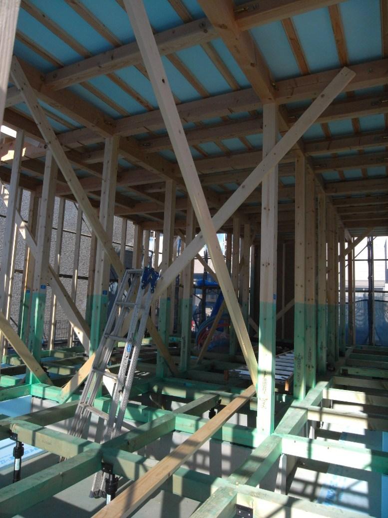 防蟻処理が施された大引と柱