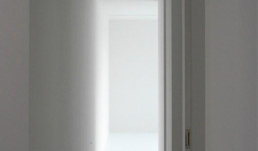 ゆめみ野の家の真っ白な廊下