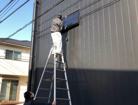 換気窓 のメンテナンスと壁や建具の塗装工事を行いました