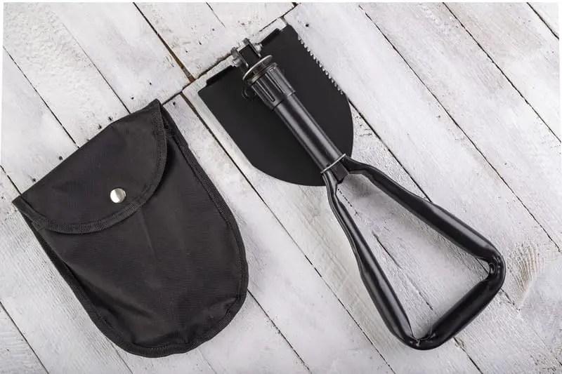 survival shovel with case