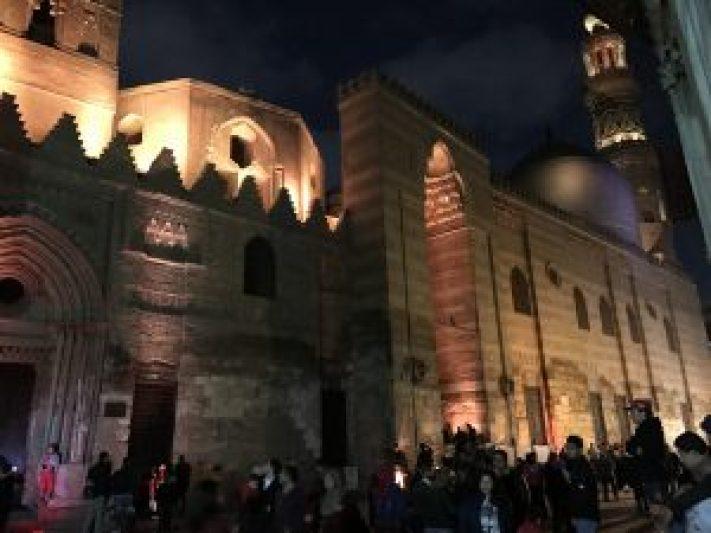 晚上的舊開羅也是人潮擁擠,請小心扒手!