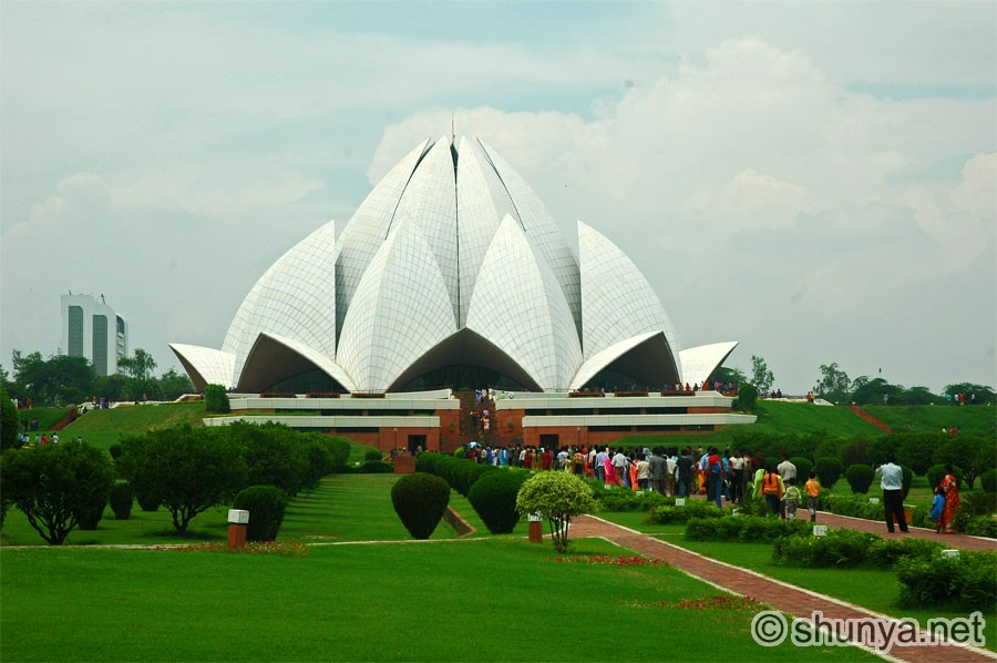 LotusTemple01.jpg