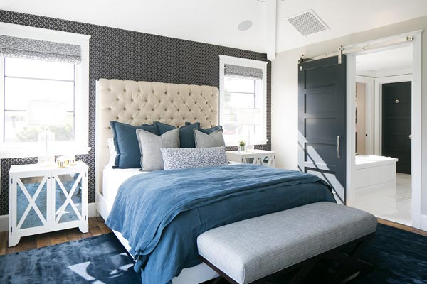 75 brilliant blue bedroom
