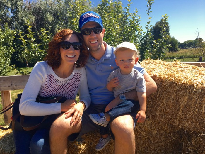 family-tractor-ride