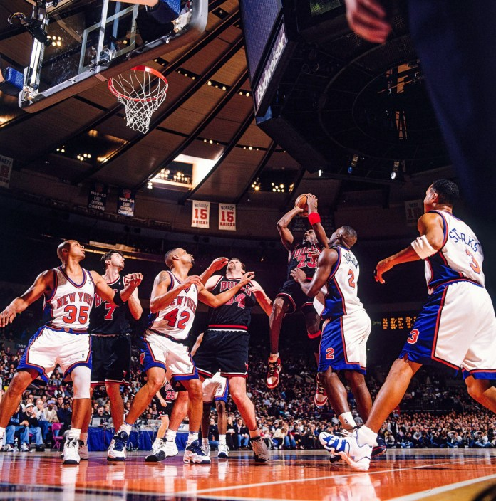 The Knicks were no obstacle for the 1997-1998 Jordan Bulls, who swept N.Y. in the regular season.