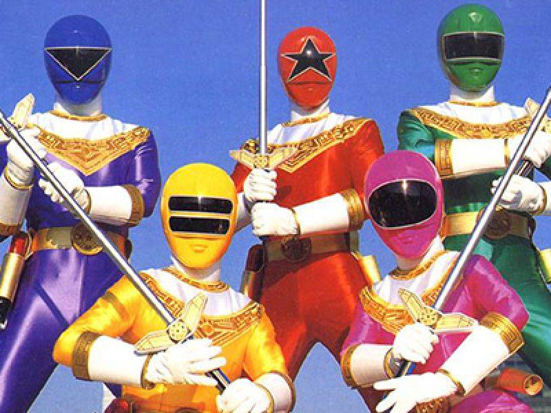 Rosso giallo pi rosa nero e blu I Power Rangers compiono 20 anni  Si24