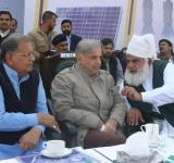 Shahbaz Sharif distribute Solar Home Systems in Bahawalpur (16)
