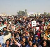 Shahbaz Sharif distribute Solar Home Systems in Bahawalpur (9)