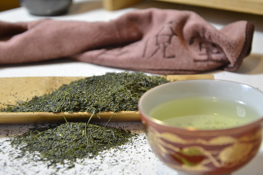 Tenbu Fukamushi Cha - deeply steemed Japanese green tea from the mid-April early picking in Kagoshima