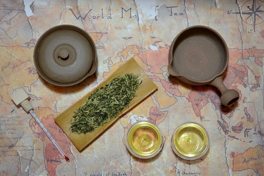 Kukicha green tea - special type of Japanese Sencha tea, mainly based on tender leaf stems
