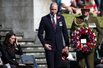 Britain's Prince William proceeds to lay a wreath during the Anzac Day service at Auckland War Memorial Museum on April 25, 2019. - Dawn services were held across the two countries on the anniversary of the ill-fated 1915 campaign of the Australian and New Zealand Army Corps that left 11,500 of them dead in what is now Turkey during World War I. (Photo by Fiona Goodall / AFP)