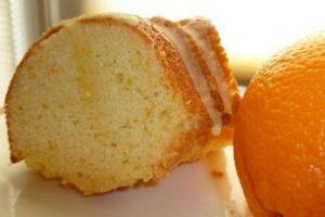Kek me portokall. Si behet keku me portokall. Receta gatimi.