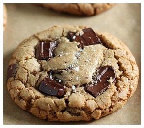 Si te bejme biskota me cokollate. Receta gatimi te thjeshta. copa te vogla cokollate, biskota me cokollate