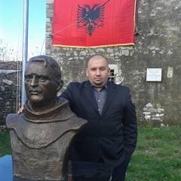 At.Gjergj Fishta (1871-1940) nen yllin e prejardhjes, Gjakova-Mirdita-Zadrima. Histori