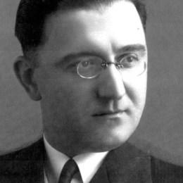 Kontributi i Ernest Koliqit në arsimin shqiptar. Krijuesi i Visareve të Kombit