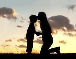 Arsyet pse nje nene eshte e pazevendesueshme. Dashuria e nenes ne syte e saj