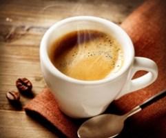 Vertetohet : Kush pin kafe jeton me gjate! Shendet