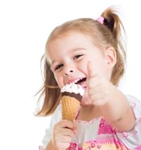 Cila eshte mosha kur mund ti jepni femijes akullore.