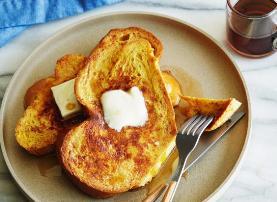 Buke me veze dhe djathe. Mengjesi ideal per te gjithe moshat.