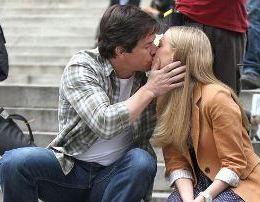 Puthjet ne publik. A duhet te ndodhin dhe a jane etike?