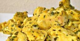 Fileto pule me salce kosi ne tigan. Receta gatimi te shendetshme.