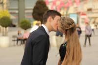 Puthjet ne publik. Sa etike dhe te pranueshme jane?