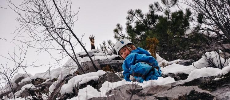 Via Ferrata Ariège Vicdessos Arête Sud enfant en hiver