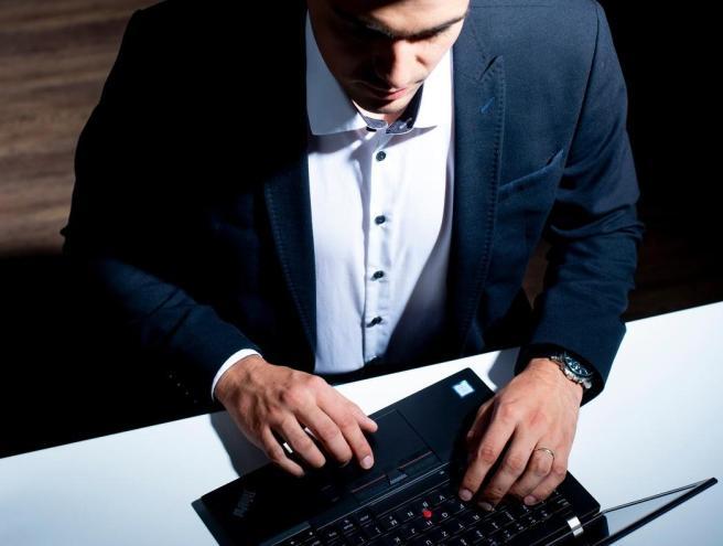 Auch kleine und mittelständische Unternehmen können von Angriffen durch Cyber-Kriminelle betroffen sein.