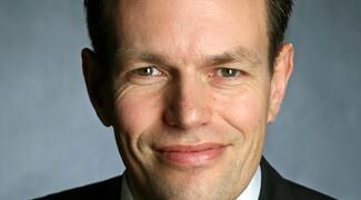 Hervath Brune, CEO von Securitas Deutschland, freut sich über die erfolgreiche Akquise von Stanley Security.