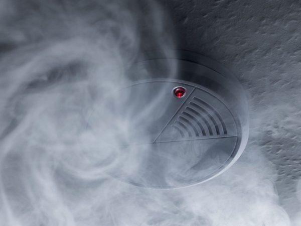 Smoke detector with smoke