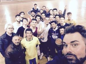 gruppo dell'F.P Sport con Nazzareno Salvatico