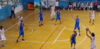 Corazzon in azione in Basket School Messina - Gravina