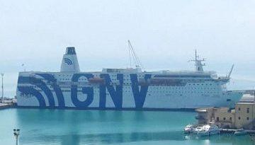 """Il sindaco di Trapani: """"Qui non c'è posto per i migranti a bordo della nave quarantena"""""""