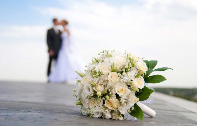 Covid: simulano nozze per festeggiare battesimo, multati