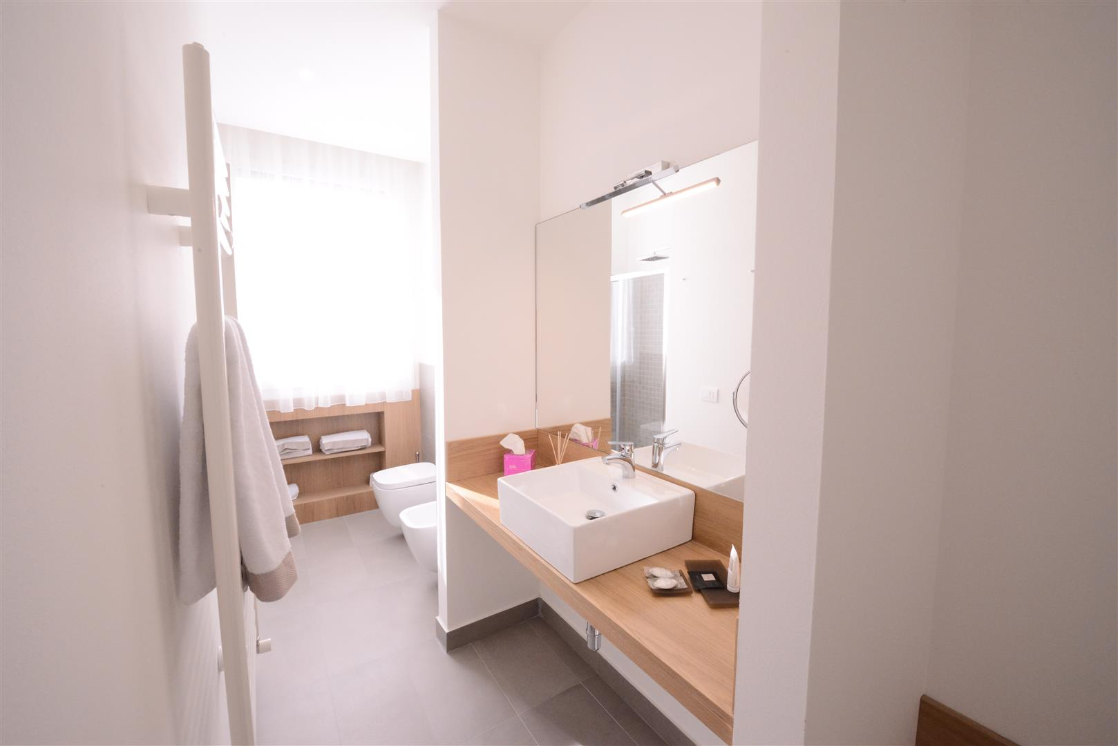 Suites  Sicilia Hotel Spa  Bagno in camera WiFi Aria
