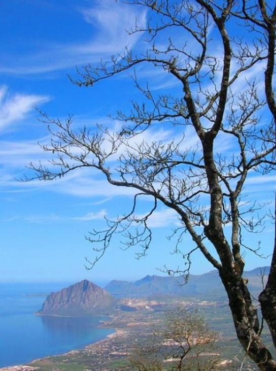 Erice panorama sul Golfo di Bonagia.
