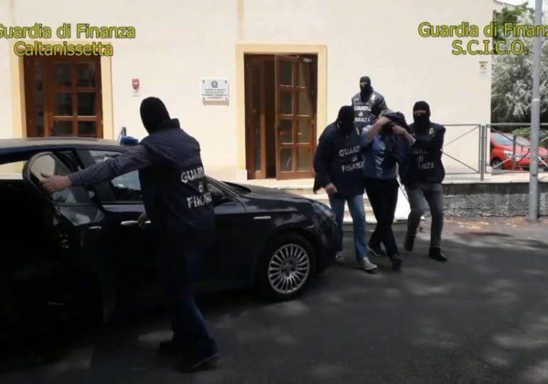 Mafia: le mani di Cosa Nostra sui parchi siciliani, 12 arresti