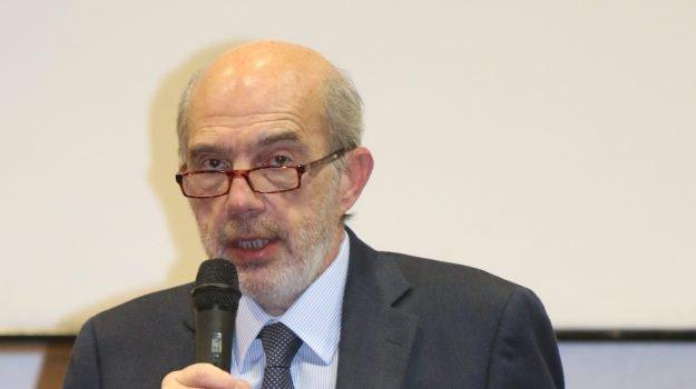 Università bandita, si dimette il rettore Francesco Basile