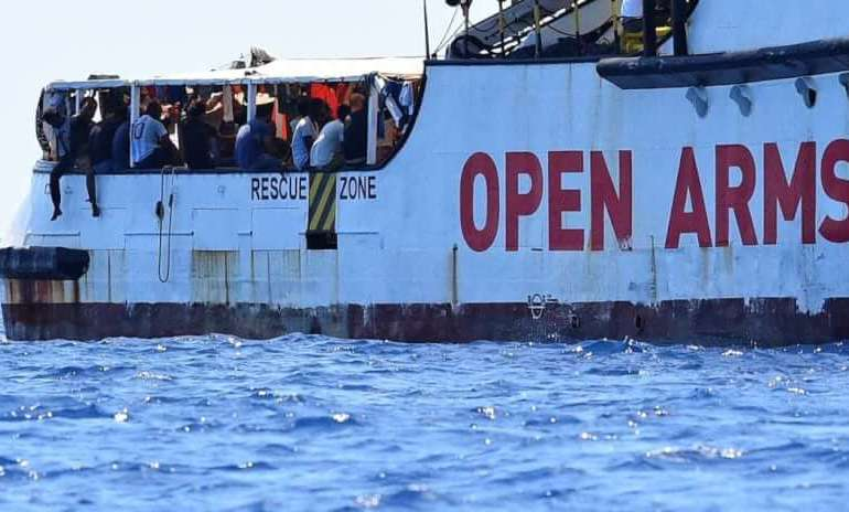 "Open Arms, Toninelli: ""pronti a portarli noi in Spagna"""