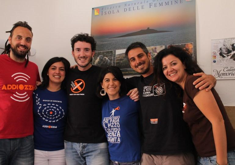 Mai fuori dalla Sicilia! Il turismo responsabile di Dario & Co. contro la mafia e chi paga il pizzo